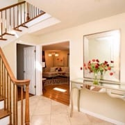 Los Altos Luxury Home in the Heart Silicon Valley - Walk to Down Town!