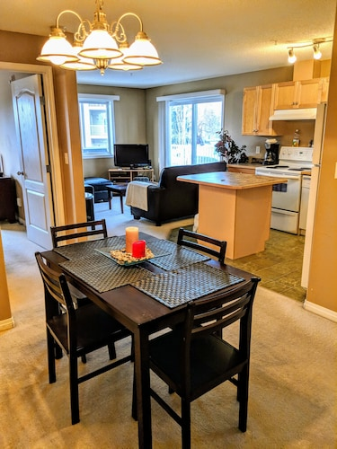 Family Friendly Quiet 2BR 2bath Condo Close to WEM w/ A/C & U/G Parking