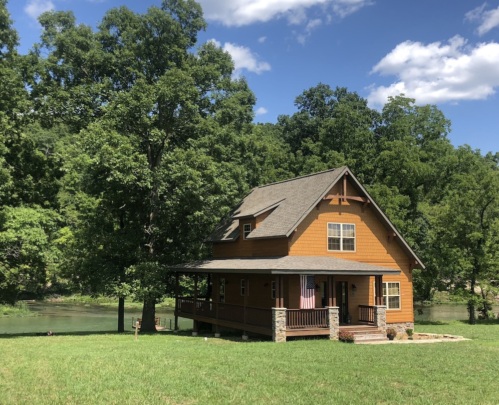 The Most Awesome Cabin On The Spring River Perfect For Canoeing And