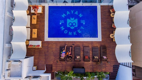 Nomads Hostel & Bar Cancun