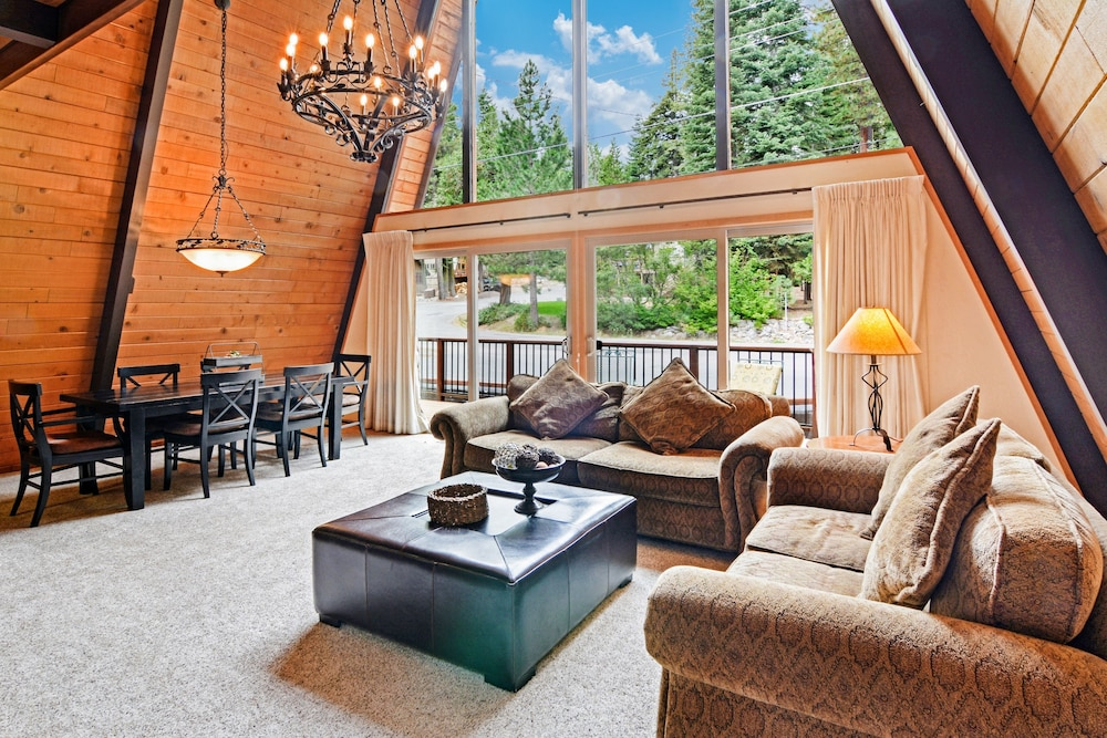 Featured Image, 3br Gem, Walk To Tahoe House Bakery 3 Bedroom Cabin