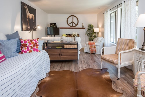 Check Expedia for Availability of Peaceful Cabin Near Downtown