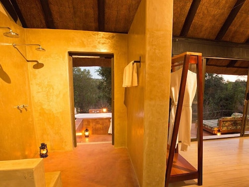 Bathroom, Masuwe Lodge