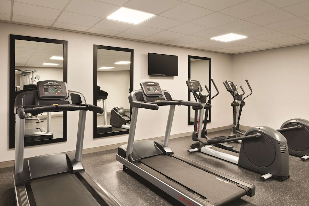 Fitness Facility, Country Inn & Suites by Radisson, Erlanger, KY - Cincinnati Airport