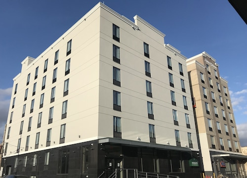 Wingate by Wyndham Jamaica NY/ AirTrain JFK