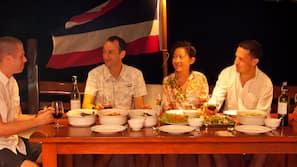 Breakfast, lunch and dinner served, Thai cuisine, ocean views