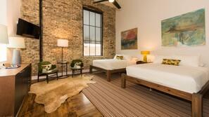 Premium bedding, desk, free WiFi