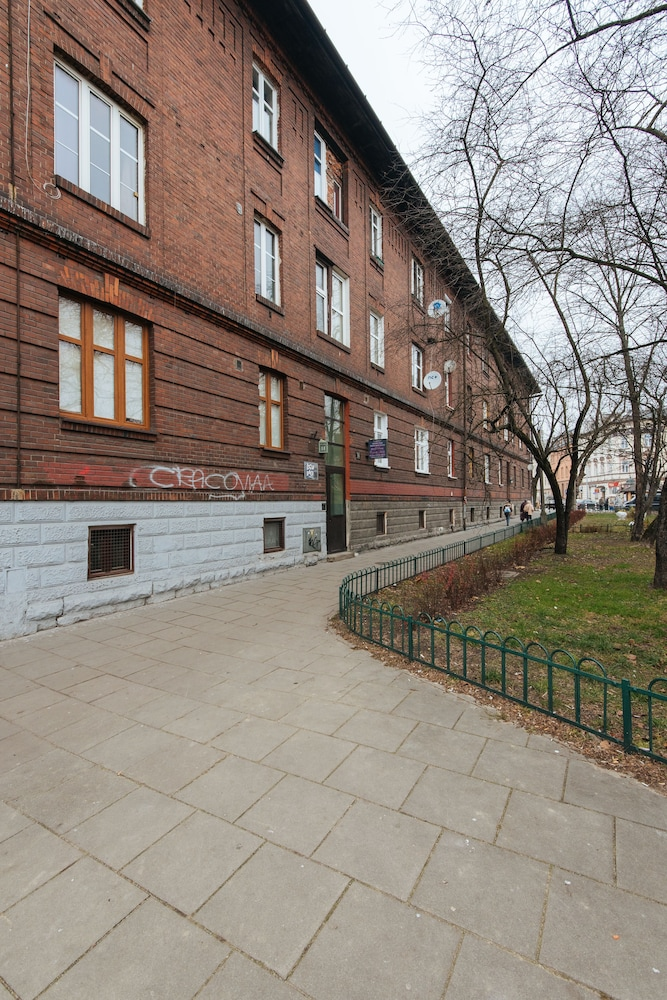 1/57 Luxury Apartment, 2 Bedrooms, Balcony   Featured Image