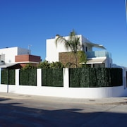 Villa Acaimo - Modern Luxury 4 bed Room Villa With Private Pool