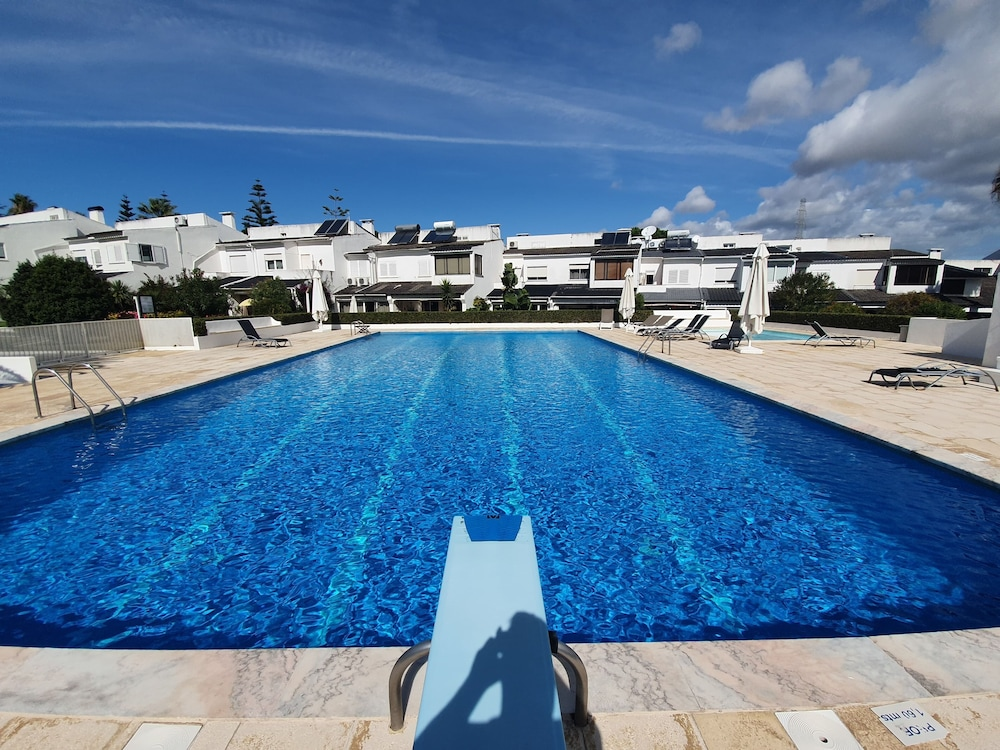 Pool, Villa Marisol in Gated Community w / Pools and Garden 4km From the Beaches