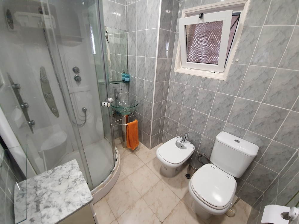 Bathroom, Villa Marisol in Gated Community w / Pools and Garden 4km From the Beaches