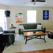 Live Like a Local in Private 3-bdrm Home. Easy Access to DT ATL by car or Train