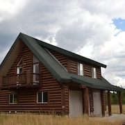 Outland Meadows Guest House Near Yellowstone Park