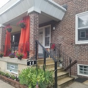 Welcome to Germantown, Charming, 1 br. Studio Apartment Sleeps 4