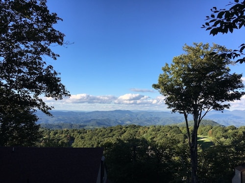 Beech Villa With Breathtaking Mtn Views! 1 Mile To Resort With Club Access!