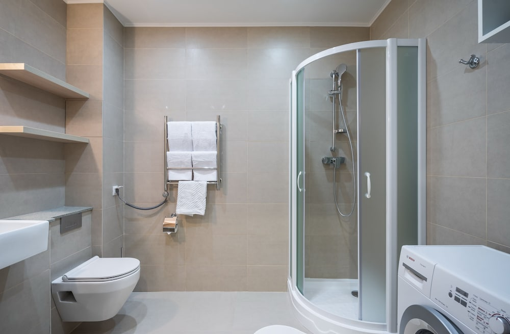 Bathroom, Avenue-Apart