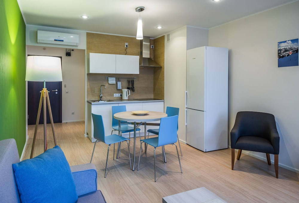 Private Kitchen, Avenue-Apart