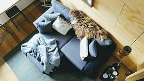 1 bedroom, Egyptian cotton sheets, premium bedding