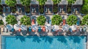 3 piscines extérieures, tentes de plage