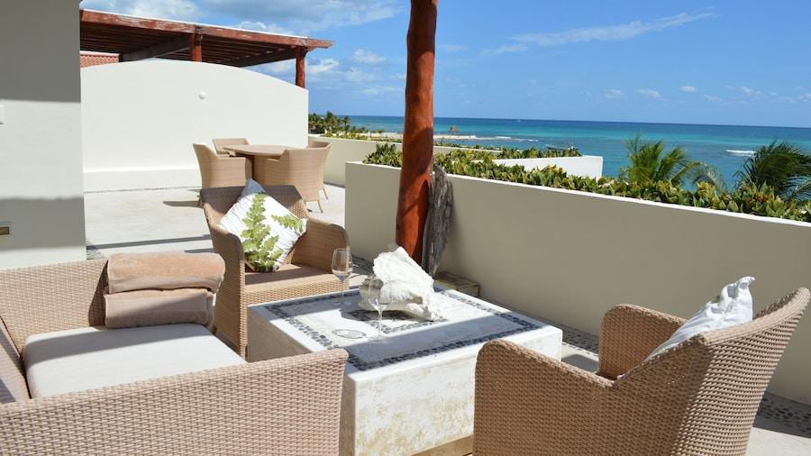 Okol Paraiso by Riviera Rentals