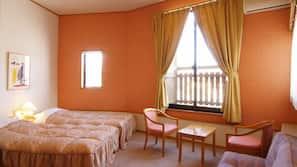 房內夾萬、書桌、免費有線上網、床單