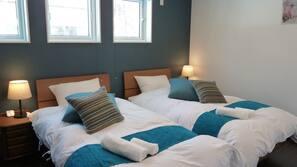 4 間臥室、書桌、窗簾、熨斗/熨衫板