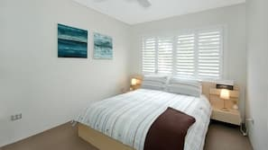 2 bedrooms, iron/ironing board, cribs/infant beds, free WiFi