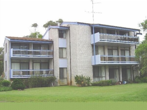 Villa Ellisa, Unit 5/10 Columbia Close