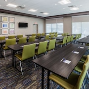 Holiday Inn Express & Suites Atlanta N - Woodstock