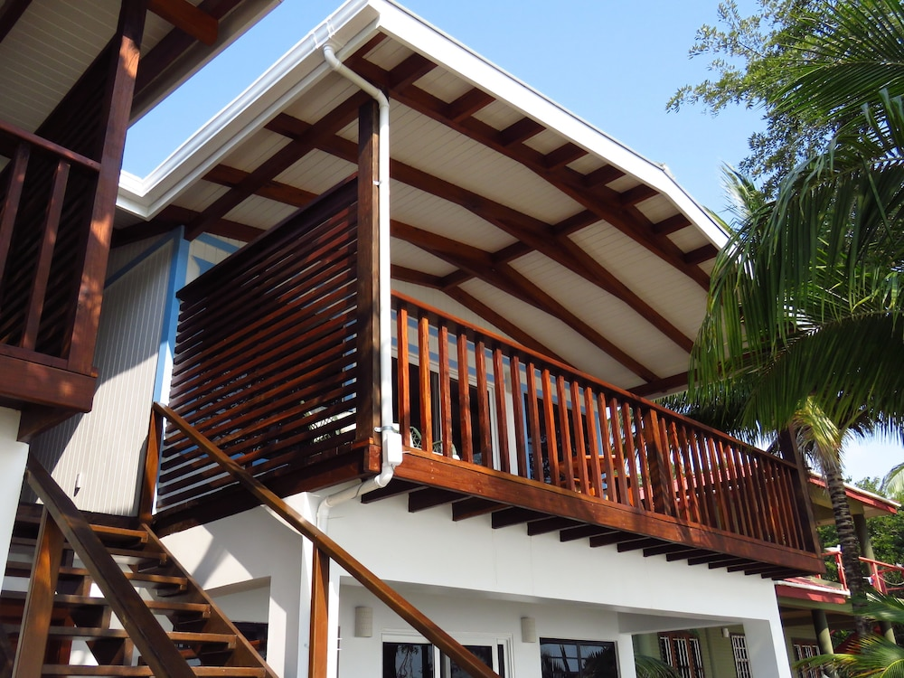 Building design, Maya Beach Hotel