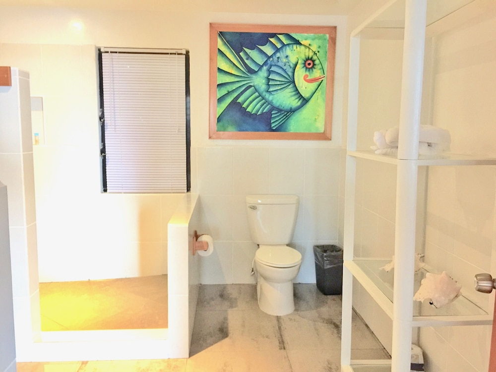 Bathroom, Maya Beach Hotel