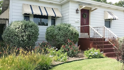 Great Place to stay Close to Ft.sam, The Pearl and Downtown... Westgate Cottage! near San Antonio