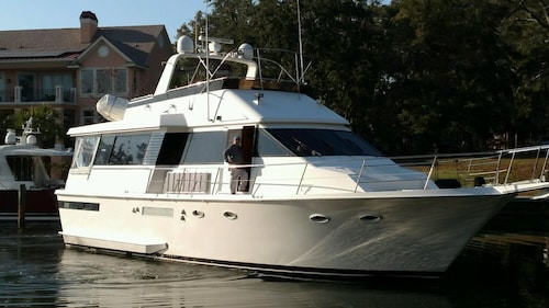 Great Place to stay Yacht 2 Private Cabins & Baths Downtown. Tranquility Sleeping Aboard a Yacht near Stuart