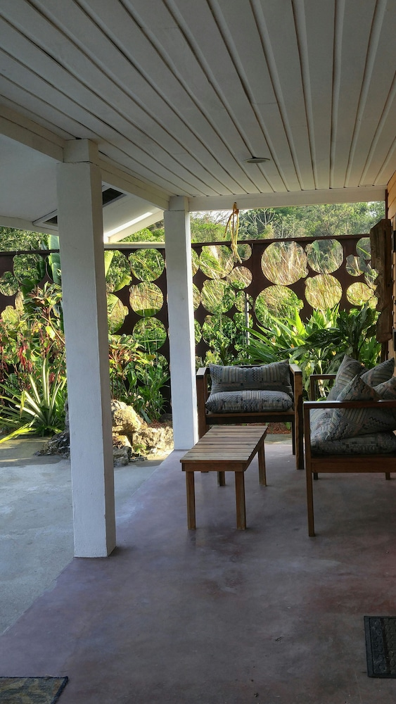 Balcony, 600 sq ft Casita W/pool for Short or Long Term Rental