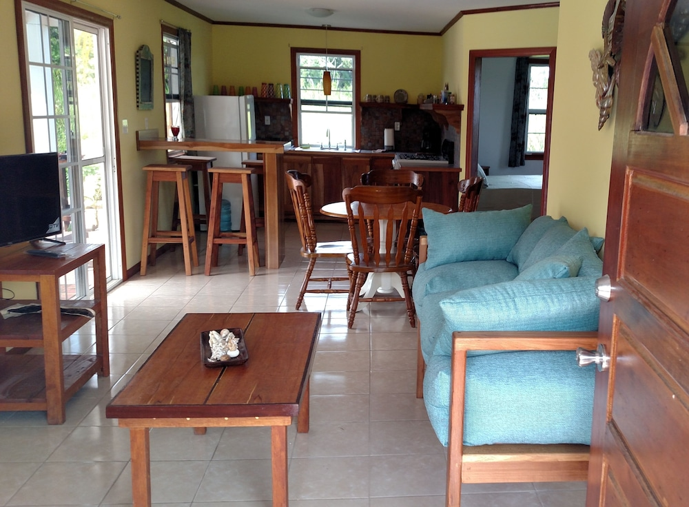 Living Room, 600 sq ft Casita W/pool for Short or Long Term Rental