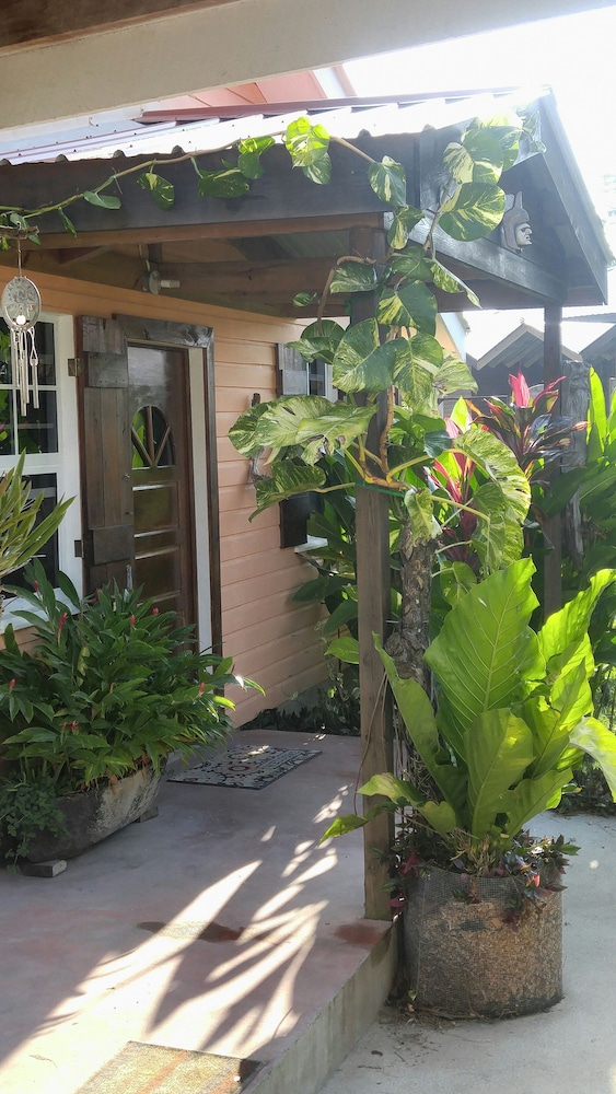 Exterior, 600 sq ft Casita W/pool for Short or Long Term Rental