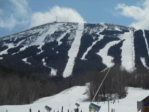 Spectacular Ski/in/out Condo at the Base of Sugarloaf Chairlift With Pool/hottub