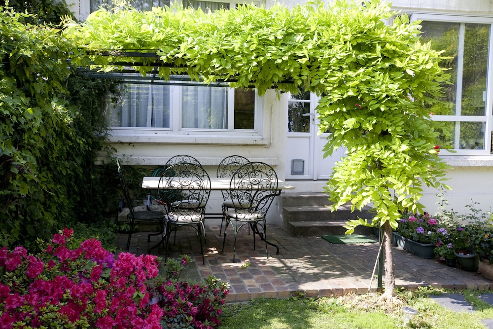 La Maison du Jardin an Oasis of Tranquility Near Paris - Reviews ...