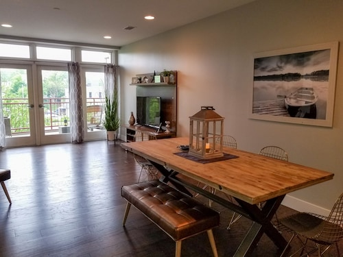 Spectacular Modern Condo Downtown Grand Haven - Steps From Lake Michigan
