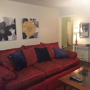 Midtown Location Minutes From Smu/greenville/downtown Access to all hot Spots!