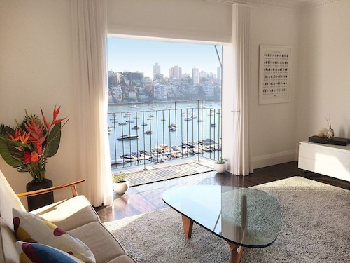 Stunning Harbour Views H325