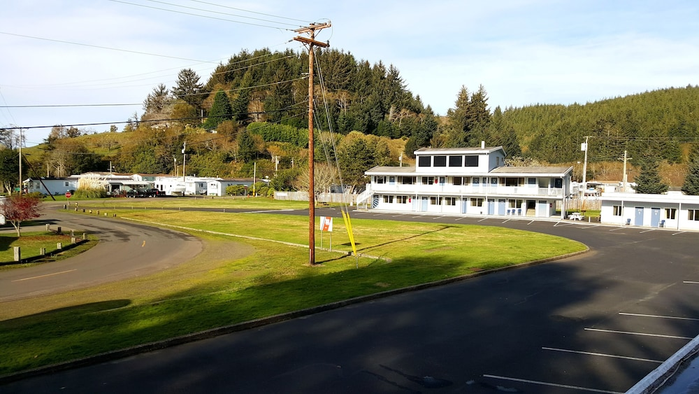 View from Property, Winchester Bay Inn