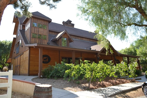 Temecula Winery Estate Villa At Longshadow Ranch