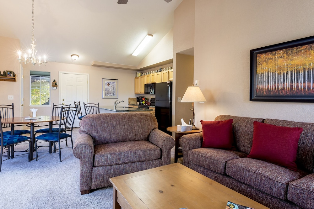 Quail Run - 2 Bedroom/2 Bath Condo ~ Hot Tub @ Complex - Discount ...