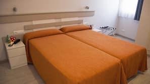 1 sovrum, mörkläggningsgardiner, ljudisolering och strykjärn/strykbräda