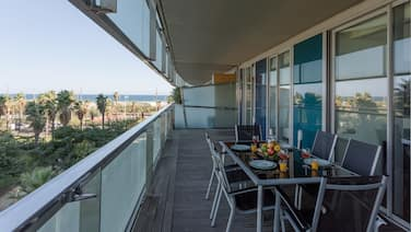 Unique Rentals - Seafront Lux Suite