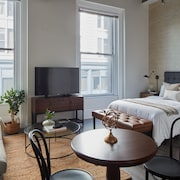 Airy Studio in Downtown Crossing