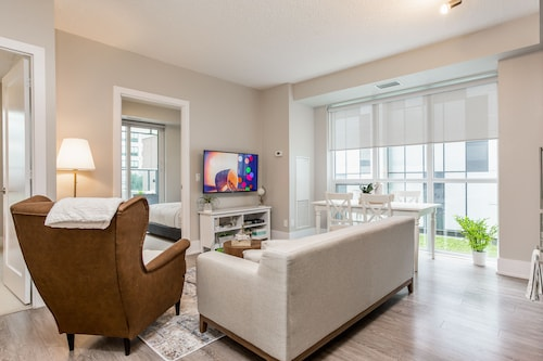 Check Expedia for Availability of QuickStay - Breathtaking 3-Bedroom in the Heart of Downtown
