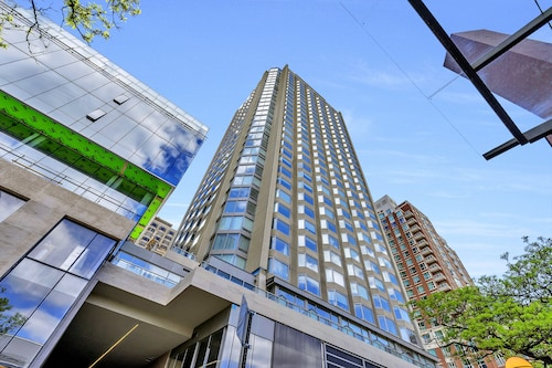 QuickStay - Enchantment in Yorkville (Yonge & Bloor)