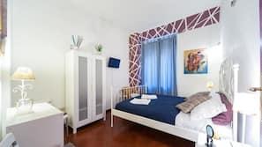 1 間臥室、高級寢具、書桌、熨斗/熨衫板